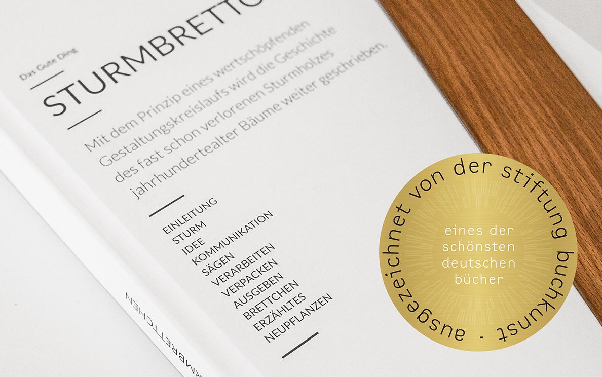 Buch mit Auszeichnung