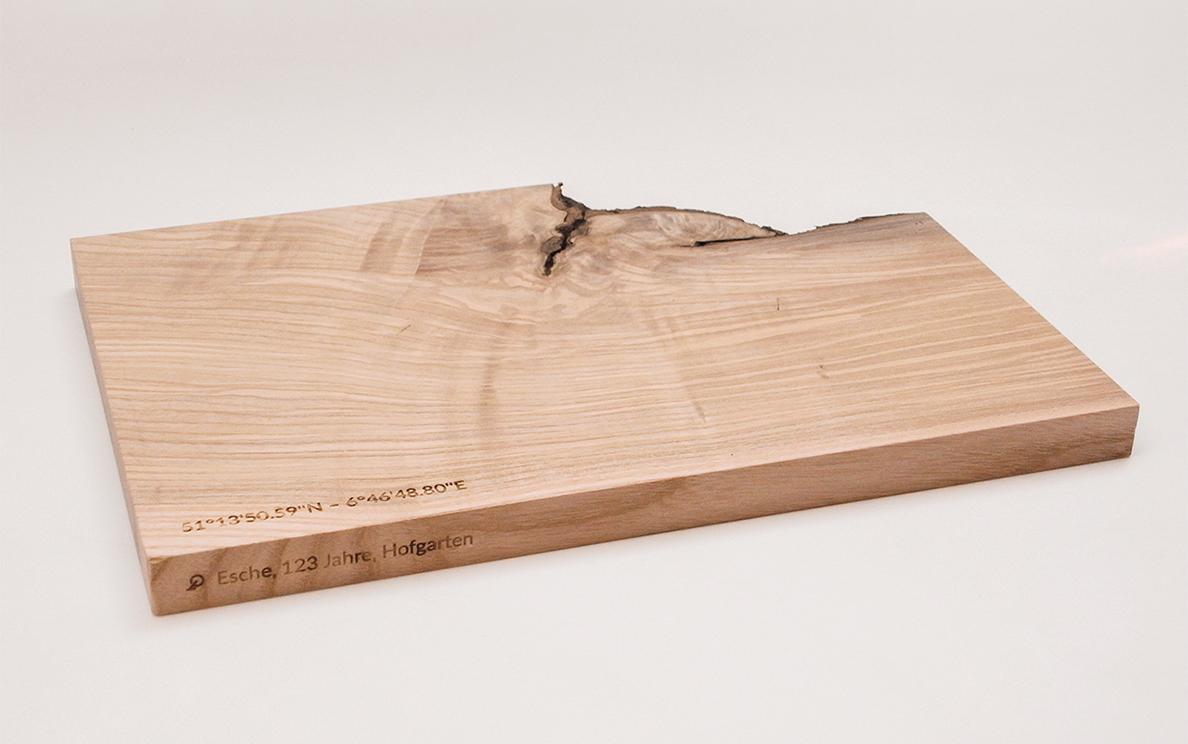Wiederverwertetes Sturmholz als Brettchen